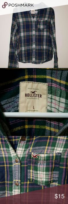 *Like New* Hollister Plaid Button Down This top was purchased years ago and it's been hanging in my closet for the majority of the time. Only worn a handful of times.  * Front chest pocket * Buttons on sleeve wrists for optional wear * 100% Cotton * Tumble dry low Hollister Tops Button Down Shirts