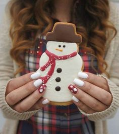 Nail polish: holiday season christmas white nails nails nail art tumblr food