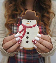 Nail polish: holiday season christmas white nails nails nail art tumblr food