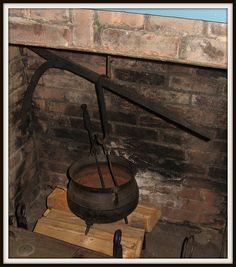 Old Cooking Pot in the Fireplace Century American Primitive Fireplace, Fireplace Hearth, Primitive Kitchen, Modern Fireplace, Old Kitchen, Fireplaces, Old Stove, Colonial Kitchen, Cooking Stove