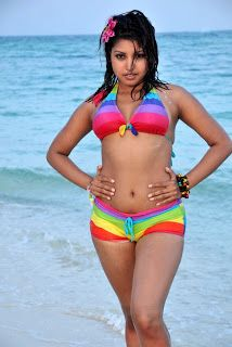 Indian Hot Desi Babe Nude Bathing Outdoor Pics