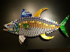 fish made from beer cans and caps – – Yahoo Image Search Resultsbeer cans cap… Bottle Top Art, Bottle Top Crafts, Bottle Cap Projects, Beer Cap Art, Beer Bottle Caps, Beer Cap Crafts, Aluminum Can Crafts, Cork Art, Fish Art