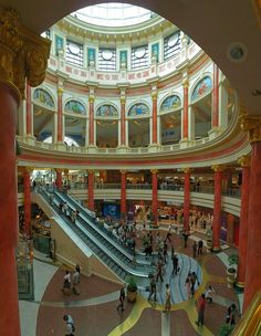 The Trafford Centre – Manchester, England My partner & I just loved the crazy.vulgar garish OTT design of this huge centre. Like another world inside. But not souless like other centres. We would wander around it and just take in the people & colours, the Manchester Hotels, Manchester England, Manchester City, Life Hacks, Der Bus, Northern England, Salford, Shopping Malls, England And Scotland