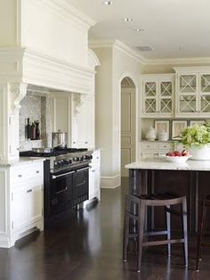 Love tile and cabinets w/ dark wood