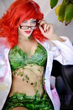 Pamela Isley) / From: DC Comics 'Batman' & 'Gotham City Sirens' / Cosplayer: Unknown Batman Cosplay, Dc Cosplay, Best Cosplay, Cosplay Girls, Cosplay Costumes, Poison Ivy Cosplay, Poison Ivy 2, Poison Ivy Costumes, Gotham City