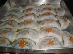 Indonesian Desserts, Indonesian Food, Choi Pan Recipe, Spicy Recipes, Baking Recipes, Roti Canai Recipe, Asian Cake, Western Food, Traditional Cakes