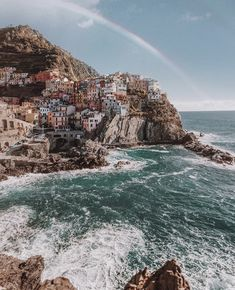 Le Cinque Terre Picture from @worduuup Instagram.