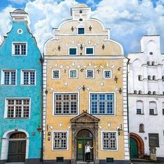 Ever been to Riga? It's the amazing capital of Latvia! Christmas Destinations, Europe Destinations, Riga Latvia, Amsterdam City, City Break, Cheap Travel, European Travel, Oh The Places You'll Go, Travel Inspiration