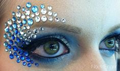 The 100 Most Jaw-Dropping Halloween Makeup Ideas Fairy Makeup, Mermaid Makeup, Medusa Makeup, Mermaid Eyes, Maquillage Halloween, Halloween Makeup, Rhinestone Makeup, Dance Makeup, Fantasy Make Up