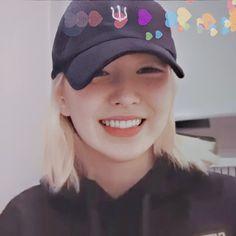 """Seulgi in black high boots and shorts is always superior"" Kpop Girl Groups, Korean Girl Groups, Kpop Girls, Seulgi, My Girl, Cool Girl, Black High Boots, Wendy Red Velvet, Aesthetic Women"