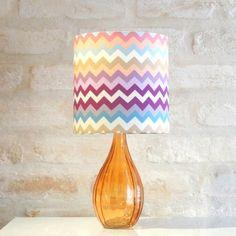 http://www.tranqueirachic.com.br/sala-e-quarto/luminarias/luminaria-vase-chevron