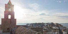 Airbnb: drie maanden gratis wonen in het Italiaanse dorp Grottole Ecommerce, Tower Bridge, Golden Gate Bridge, Online Marketing, Sustainability, Tiny House, Sabbatical, Travel, News