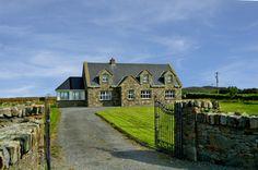 Claddaghduff (254), Claddaghduff, Co. Galway - Holiday home house 3 sleeps 10 5 bed €430