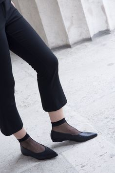 If someone ask you few months ago about babouches, you would have a huge question mark in your head, but now when they're everywhere and every brand has Question Mark, Slippers, This Or That Questions, Shoes, Fashion, Moda, Zapatos, Shoes Outlet, Fashion Styles