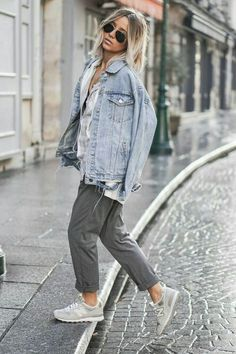 Casual to miami * s t y l e. fashion, new balance outfit och Womens Fashion For Work, Look Fashion, Denim Fashion, Winter Fashion, Grey Fashion, Street Fashion, Sneakers Fashion, Sneakers Style, Miami Fashion