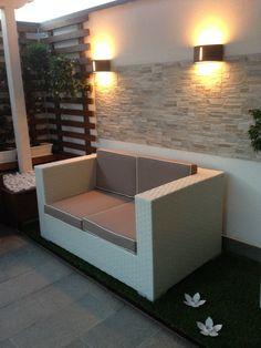 realizzazione personalizzata per un bellissimo giardino stile zen. divano in materiale resistente all'esterno, struttura in alluminio leggera ma molto resistente rivestimento in polietilene, per creare un ambiente accogliente e pieno di stile