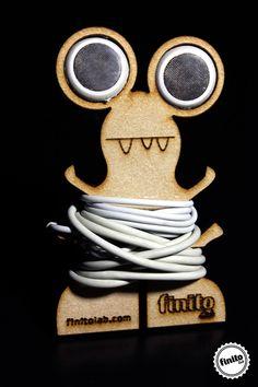 Divertida forma de guardar tus audífonos evitando que se enreden. Corte Láser en MDF de 3mm.We decided to design and create a creative and unique earphone holder. This is what we finally came up with. What do you think?
