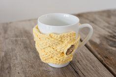 Woven Cables Mug Cozy Crochet Pattern | www.1dogwoof.com