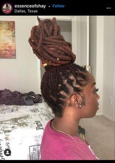 Natural Hair Weaves, Natural Hair Styles, Short Locs Hairstyles, Ebony Hair, Hair Facts, Beautiful Dreadlocks, Dreads Styles, Natural Hair Inspiration, Hair Journey