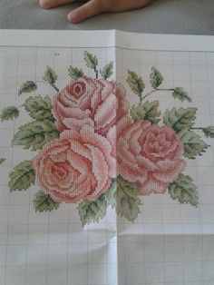 This Pin was discovered by Ays Beaded Embroidery, Cross Stitch Embroidery, Embroidery Patterns, Hand Embroidery, Cross Stitch Patterns, Cross Stitch Rose, Cross Stitch Flowers, Needlepoint Stitches, Needlework