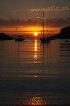 Amazing Ibiza Sunset, Spain. La otra cara de Ibiza, playas de Ibiza, rincones de Ibiza, paisajes de Ibiza, Cala Conta Ibiza, Ibiza isla blanca, sitios que visitar en Ibiza, Ibiza beaches, Ibiza white island, places to go in Ibiza