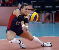 United States' Nicole Davis reaches for the ball during a women's preliminary volleyball match against Turkey at the 2012 Summer Olympics, Sunday, Aug. 5, 2012, in London. (AP Photo/Jeff Roberson) (Associated Press) / SA