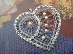 Hairpin Lace, Bobbin Lace Patterns, Weaving Patterns, Wire Crochet, Crochet Edgings, Crochet Motif, Crochet Shawl, Bobbin Lacemaking, Lace Weave