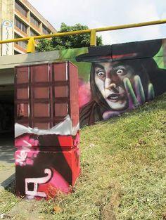 Graffiti en la estacion santa librada (Cali) Uso del espacio y utilizacion de caja electrica caracterizando al personaje como Chocolate (Proceso de Semiosis) Willy Wonka