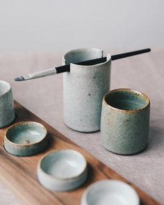A brush holder, water pot and part of a palette set. It's a simple piece, a cylinder with slots cut either side. There's little special… Ceramic Clay, Ceramic Plates, Ceramic Pottery, Pottery Painting, Ceramic Painting, Clay Projects, Clay Crafts, Paint Brush Holders, Keramik Design