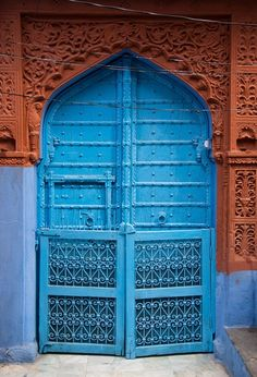 terracotta and jodhpur blue for my door.