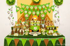 Title: Safari Birthday Party Theme - B47 II To find the invitations, packages, and individual items for this theme, please visit: www.LeeLaaLoo.com