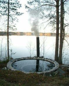 Sink into nature Outdoor Baths, Outdoor Bathrooms, Spa Jacuzzi, Living Haus, Sauna Design, Cabins In The Woods, Outdoor Projects, Water Features, The Great Outdoors