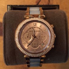 Michael Kors MK rose gold watch rosegold Gently loved. 💯💯 authentic! Comes with original watch box and owners manual. The face is in mint condition with absolutely no scratches or scuffs. The band and sides have some minor wear which you can see in the second pic. Comes with three extra links. Make an offer! Also on M e r c Michael Kors Accessories Watches