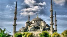 La mezquita de Süleymaniye, o mejor conocida como la mezquita de Suleyman el Magnífico, fue construida en el siglo XVI por el gran arquitecto otomano Mimar Sinan para el Sultán Suleyman el Magnífic…