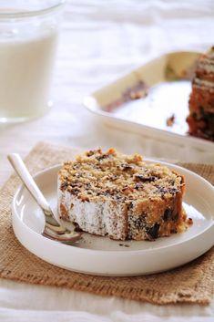 Κέικ / scones - The one with all the tastes Greek Sweets, Greek Desserts, Sweets Recipes, Cake Recipes, Snack Recipes, Cake Cookies, Cupcake Cakes, Chocolate Chip Cake, Sweet Breakfast