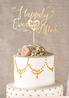 This beautiful cake topper is made from wood. Measures : 8 x 6 (20 cm x 15 cm) 6,8 x 4,8 ( 17 cm x 12 cm) Customizable Personalized wedding