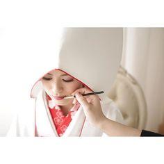 紅差し。 + + + #京都#衣装 #白無垢 #美しい #canon #色 #華 #カメラ #色気 #キレイ#桜ロケーション前撮り…