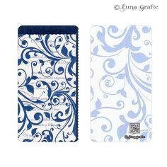 """Invitatii de nunta handmade """"Rococo albastru""""  Invitatie in 3 straturi de hartie. Pentru suport am folosit un carton sidefat, textul este printat pe un carton texturat, iar modelul de suprafata este realizat pe hartie de calc. Plicul este, de asemenea, in ton cu invitatia si fabricat din carton texturat. Este inclus in pret si se livreaza impreuna cu invitatia propriu-zisa. Pentru ca totul sa fie perfect alegem impreuna culoarea si tipul cartonului astfel incat sa aveti un set de invitatii…"""