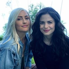 Dove and Donna😍😍 Minka Kelly, Teen Titans Go, Dc Universe, Titans Tv Series, Conor Leslie, E Dawn, Dc Memes, Young Justice, Marvel Dc