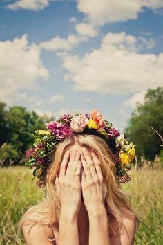 Flower crown make for the perfect summer festival hair. : Flower crown make for the perfect summer festival hair. Dark Paradise, Belle Photo, Her Hair, Fall Wedding, Wedding Hair, Wedding Goals, Bridal Hair, Wedding Crowns, Backdrop Wedding