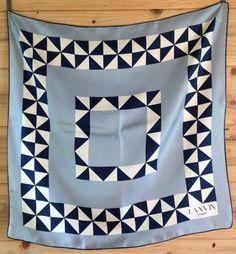 Annata mano laminati Lanvin seta sciarpa blu e di TheRustyNailPail