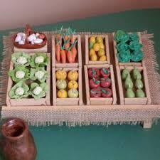 Resultado de imagen para Cestos para el Belen Miniture Things, Miniature Dolls, Dollhouse Miniatures, Nativity, Clay, Fruit, Christmas, Gifts, Handmade