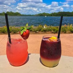 Currently enjoying a Wild Strawberry Lemonade & a Cascadia Sangria at #WaltDisneyWorld Wilderness Lodge! Double tap if you want us to save you a drink! #wdw #disneyworld #disney #orlando #florida