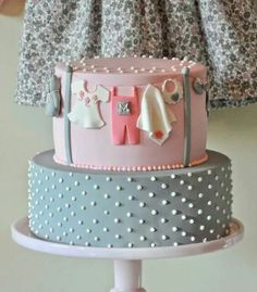 Such a cute baby shower cake!