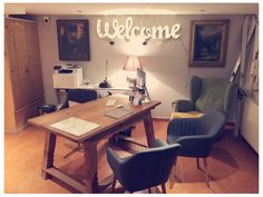 Dorfchalets reception We are looking forward to welcoming you! Chalet Style, Austria, Corner Desk, Reception, Christmas, Furniture, Home Decor, Chalets, Kaprun