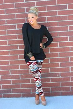 plain shirt and ethnic print leggings What to Wear with Ethnic Print Leggings