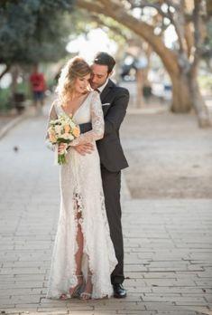 You saved to [Inspiration] Wedding Flowers Bohemian Wedding Flowers, Madame Butterfly, Cheap Flowers, Chicago Wedding, Boho Bride, Looking Gorgeous, Wedding Couples, Boho Chic, Wedding Gowns