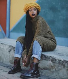 Sometimes you are delayed where you are because God knows there is a storm where you are headed. Trust His timing. Street Style Vintage, Mode Vintage, Mode Outfits, Grunge Outfits, Fashion Outfits, Hipster Grunge, Grunge Goth, Black Girl Fashion, Look Fashion