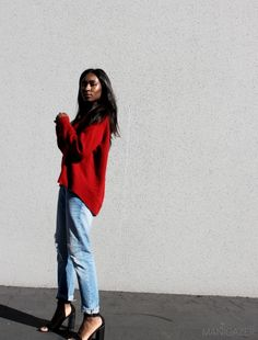 Style   RED CASHMERE + BOYFRIEND JEANS feat. Zara by Iman. How to wear the boyfriend jeans without looking like an actual boy. Click through to find out!  #fashion #style #blogger #model #Iman #red #cashmere #sweater #boyfriend #jeans #minimal #minimalistic #casual #chic