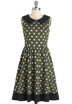 Sprinkled Splendor Dress. Craving a little retro-casual flavor? #green #modcloth